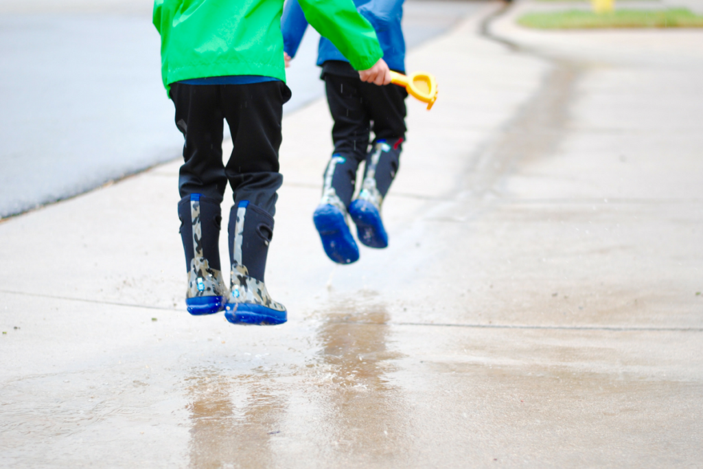 7 clever indoor activities for kids to fight off gloomy day boredom